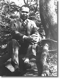 countee cullen essays Essay title: countee cullen countee cullen's poetry was extremely motivated by race he produced poetry that celebrates his african american heritage, dramatizes black heroism, and reveals the reality of being black in a hostile world.